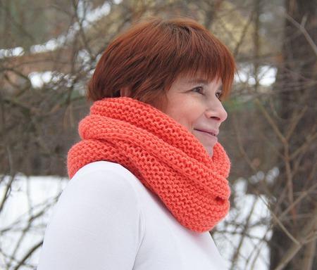 """Снуд-шарф  """"Настурция""""  ( полушерсть) ручной работы на заказ"""