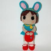 Кукла вязаная крючком Девочка в шапочке Зайчика