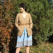 Вязаная юбка голубая средней длины