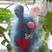 Зайка - Валентинка. Бирюзовый, белое ушко.подарок, сувенир  © https://www.livemaster.ru/item/2488226