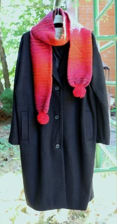 Вязаный шарф мохеровый с помпонами красный яркий ручной работы на заказ