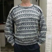 Мужской пуловер в стиле жаккард