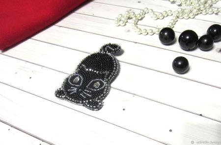 """""""Чёрная кошка"""" брошь из бисера ручной работы на заказ"""