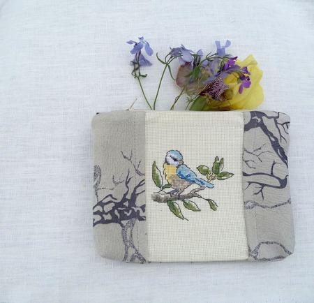 Косметичка с вышивкой Синичка, подарок маме, птица,косметичка с птицей ручной работы на заказ
