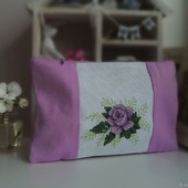 Подарок для подруги ,косметичка с вышивкой Роза, подарок женщине