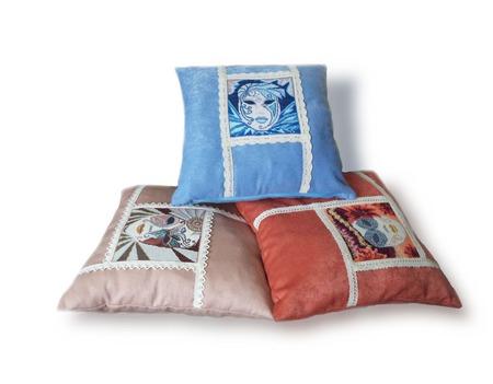 Подарок на юбилей, подушки в подарок ручной работы на заказ