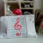 Косметичка Скрипичный ключ,косметичка в подарок,музыка, белый, розовый