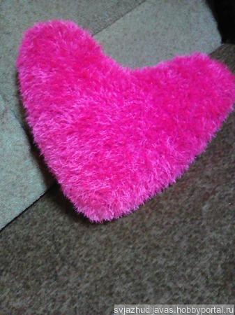 Подушка вязаная сердце ручной работы на заказ