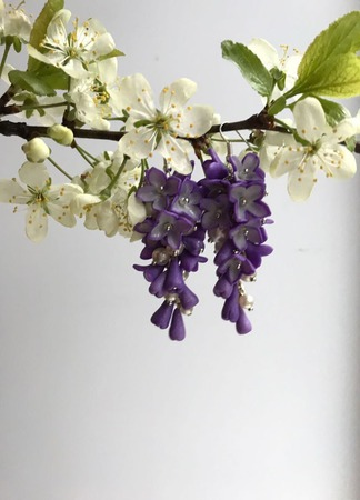 Серьги Сиреневая гроздь из полимерной глины ручной работы на заказ