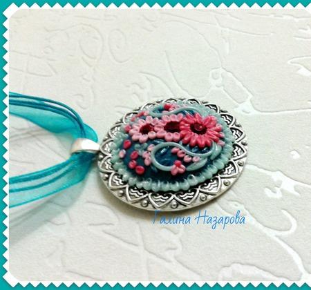 Кулон цветочная филигрань из полимерной глины ручной работы на заказ