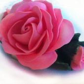 Брошь Розовые розы из полимерной глины