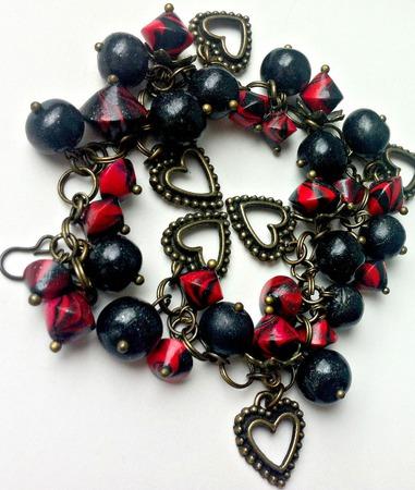 Браслет из полимерной глины Красное и черное ручной работы на заказ