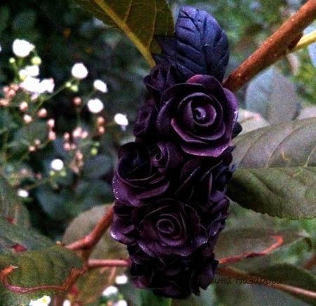 Заколка для волос Черные розы ручной работы на заказ