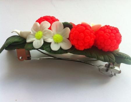 Заколка для волос Ягода-малина ручной работы на заказ