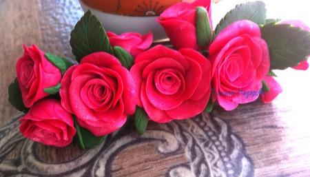 Заколка для волос Розы из полимерной глины ручной работы на заказ