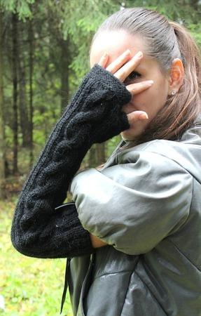Черные митенки-рукава длинные (под меховой жилет) ручной работы на заказ