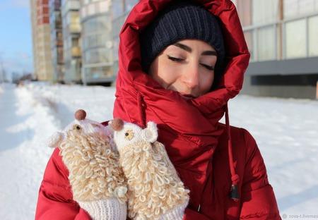 """Рукавички шерстяные вязаные """"Подмаргивающая овечка"""" ручной работы на заказ"""