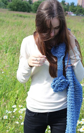 """""""Зима. Холода"""" Вязаный обьемный шарф с цветком ручной работы на заказ"""