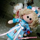 Вязаная кукла виола