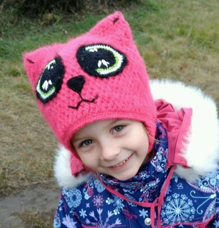 """Вязаная шапка """"Кошка"""" для девочки ручной работы на заказ"""