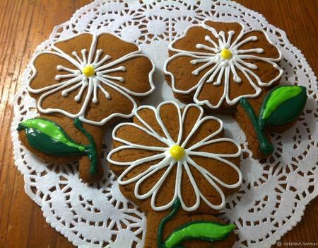 Пряники цветочки ромашки 10 см ручной работы на заказ