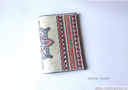 Кожаная обложка на паспорт точечная роспись бело-пурпурная ручной работы на заказ