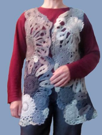 """Женский, вязанный  жилет """"WEAVE"""" в технике фриформ ручной работы на заказ"""