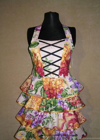 """Фартук женский с воланами """"Цветущий сад""""(нарядный фартук для кухни) ручной работы на заказ"""