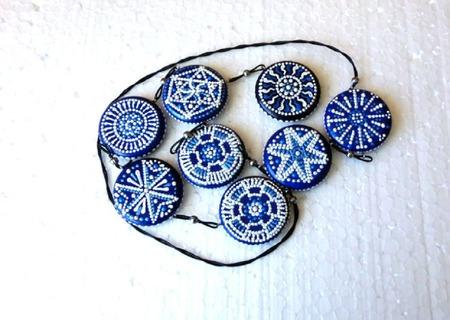 Бусы - лонгур Контраст - украшение на каждый день точечная роспись ручной работы на заказ
