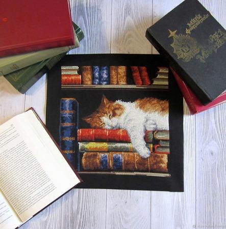 """""""Книголюб"""" вышивка крестом, картина ручной работы на заказ"""