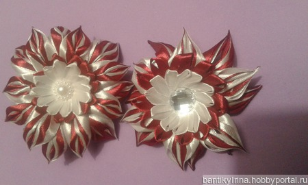 Красный цветок канзаши ручной работы на заказ