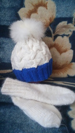 Комплект шапка + варежки. ручной работы на заказ