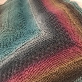 Тёплая шерстяная шаль