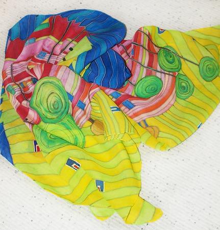 """Шелковый шарф батик """"Церковь Хундертвассера"""". Шарф шелковый ручной работы на заказ"""