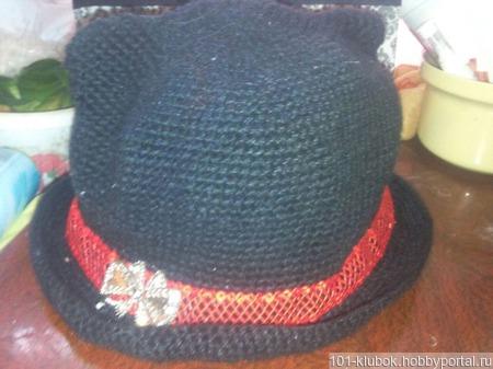 Чёрная шапка с ушками ручной работы на заказ