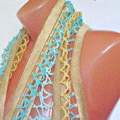 Золотистый вязаный крючком палантин ручной работы  Медово-золотой модель 2