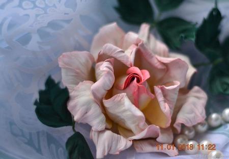 Роза брошь Констанция украшение из кожи ручной работы на заказ