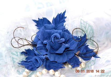 Роза брошь из замши Ингрид украшение ручной работы на заказ