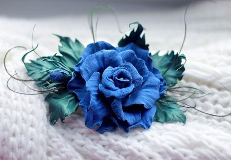 """Брошь из натуральной кожи. Синяя Роза """"Аплодисменты Сантори"""" ручной работы на заказ"""