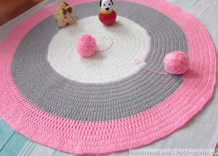 Коврик  вязаный Розовое утро ручной работы на заказ