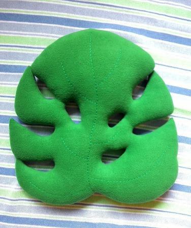 Подушка-игрушка Монстера ручной работы на заказ