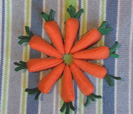 Броши из фетра для мам и малышей. Брошь Морковка ручной работы на заказ
