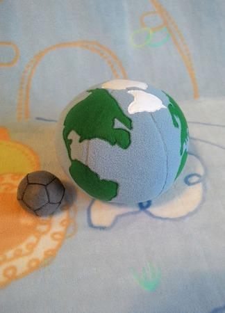 Развивающие мячики Земля и Луна ручной работы на заказ