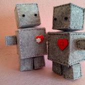 Роботы Роберт и Робертина