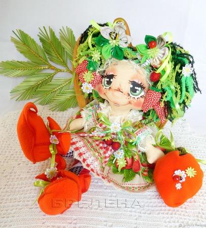 Кукла Ягодная феечка . Текстильная интерьерная кукла. ручной работы на заказ