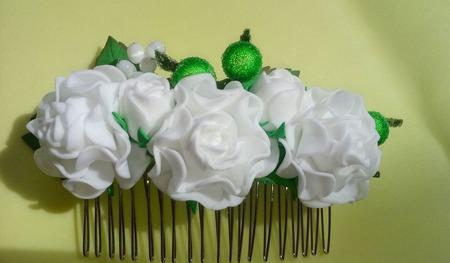Гребешок для волос из белых роз ручной работы на заказ