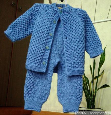 Описание вязания костюмчика «Кнопка» для малыша. «Реглан сверху». Размер: от 3 до 9 месяцев, обхват ручной работы на заказ