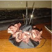 """Игольница """"шляпка с розами"""""""