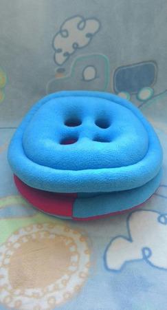 Подушки-игрушки Пуговицы ручной работы на заказ