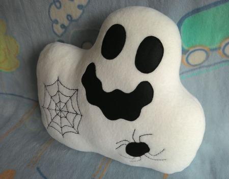 Подушка-игрушка Привидение ручной работы на заказ